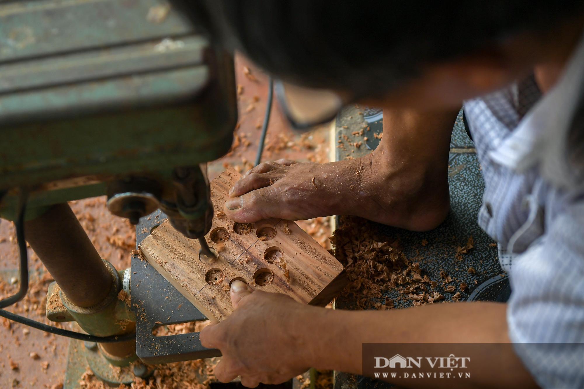 Chiêm ngưỡng kỹ năng điêu luyện của người đàn ông 40 năm làm khuôn bánh trung thu - Ảnh 6.