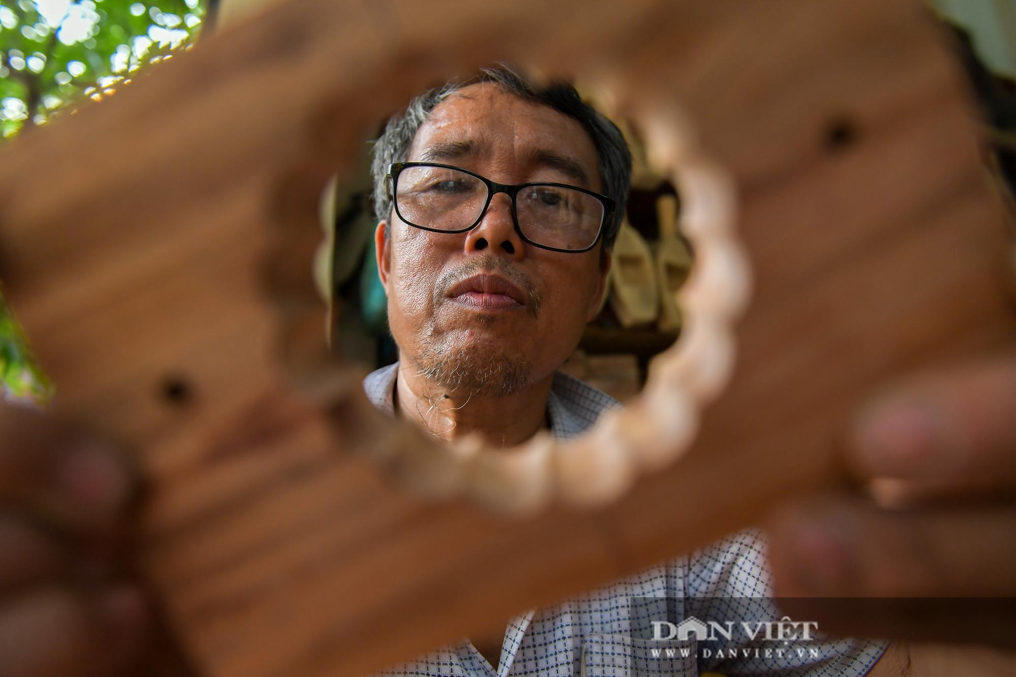 Chiêm ngưỡng kỹ năng điêu luyện của người đàn ông 40 năm làm khuôn bánh trung thu - Ảnh 7.