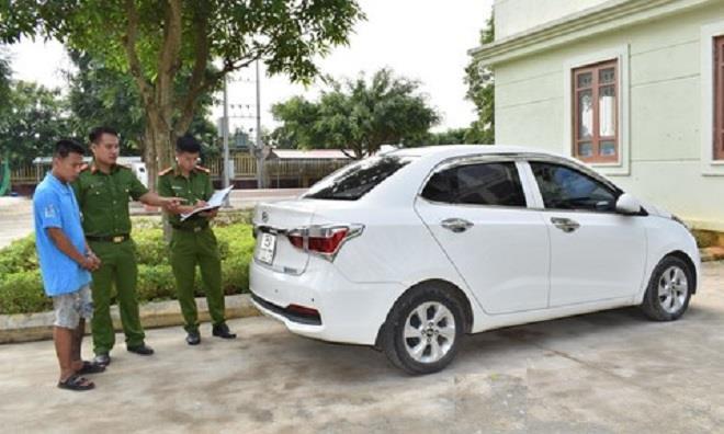 Bắt kẻ dùng dây thừng siết cổ tài xế, cướp xe taxi trong đêm ở Ninh Bình - Ảnh 1.