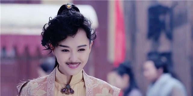 """""""Cười ngất"""" vì mỹ nhân cổ trang Trung Quốc cải trang nam lộ """"sạn siêu khổng lồ"""" - Ảnh 3."""