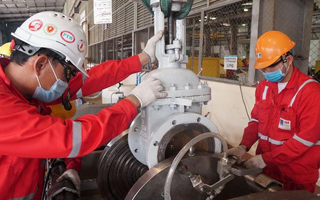 Nhập khẩu xăng dầu tăng mạnh đầu năm 2021 - Ảnh 1.