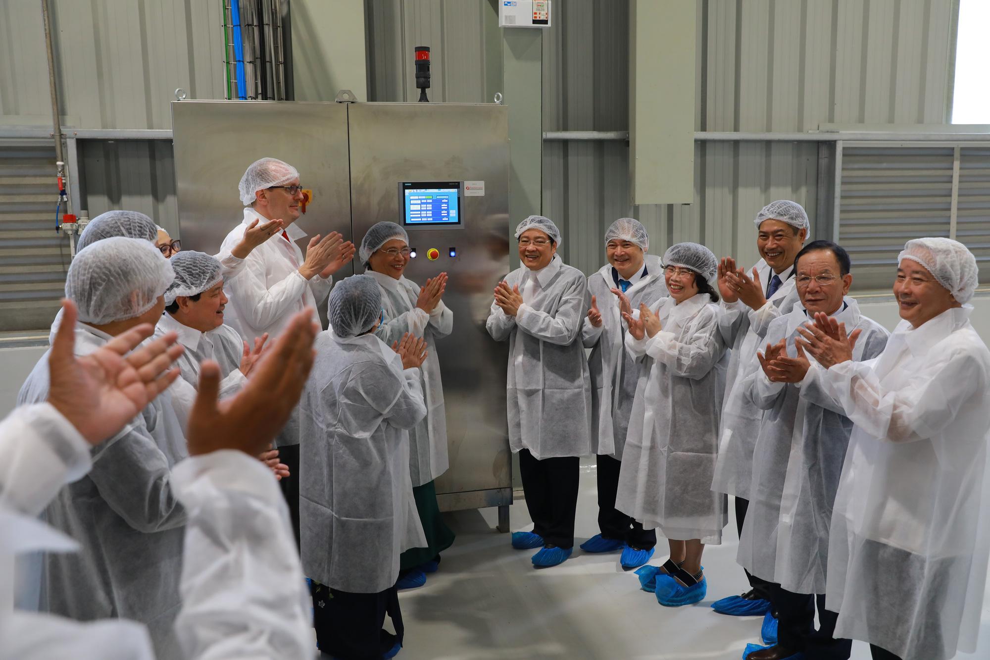Phó Chủ tịch Thường trực Quốc hội: Có nhà máy chế biến, nông dân Sơn La không lo được mùa mất giá - Ảnh 3.