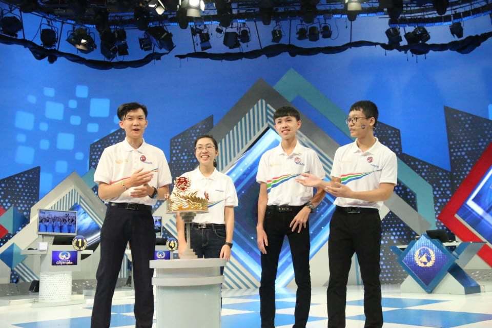 """Thu Hằng đang dẫn đầu chung kết Đường lên đỉnh Olympia 2020 sau phần thi Vượt chướng ngại vật cực """"đỉnh"""" - Ảnh 5."""