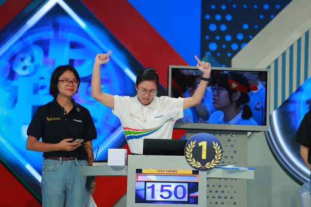"""Thu Hằng đang dẫn đầu chung kết Đường lên đỉnh Olympia 2020 sau phần thi Vượt chướng ngại vật cực """"đỉnh"""" - Ảnh 1."""