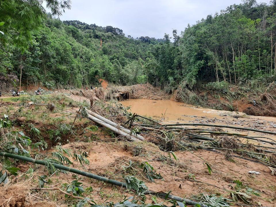 Huyện Tây Giang ảnh hưởng bão số 5 : Không để người dân vùng cô lập thiếu lương thực, nước uống - Ảnh 4.