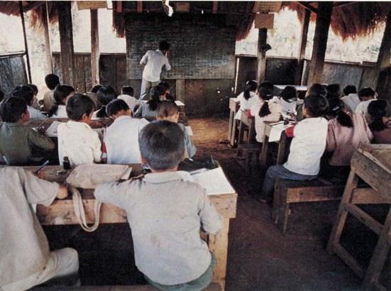 Ảnh quý giá về nhà giáo Việt Nam thời kháng chiến chống Mỹ - Ảnh 6.
