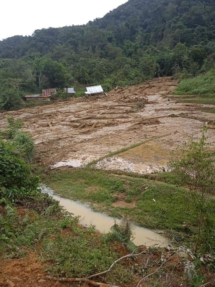 Huyện Tây Giang ảnh hưởng bão số 5 : Không để người dân vùng cô lập thiếu lương thực, nước uống - Ảnh 5.