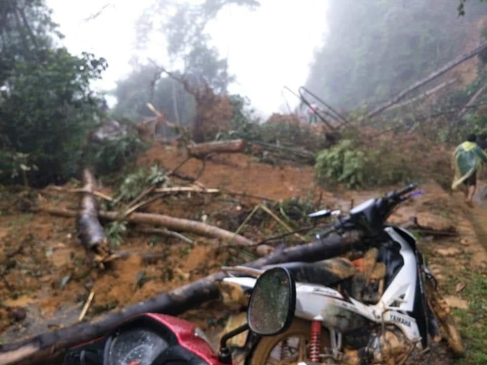 Huyện Tây Giang ảnh hưởng bão số 5 : Không để người dân vùng cô lập thiếu lương thực, nước uống - Ảnh 2.