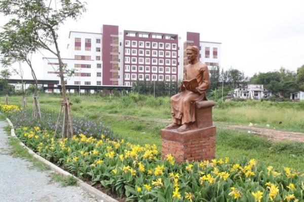 Thầy giáo Việt duy nhất nào có 3 học trò từ nông dân thành đế vương? - Ảnh 3.