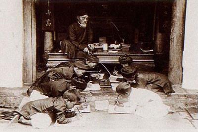 Thầy giáo Việt duy nhất nào có 3 học trò từ nông dân thành đế vương? - Ảnh 5.