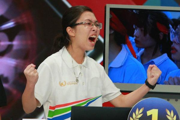 """Vì sao phát ngôn MC Diệp Chi giữa vụ nữ Quán quân Olympia 2020 bị """"ném đá"""" về thái độ lại gây """"sốt"""" mạng? - Ảnh 1."""