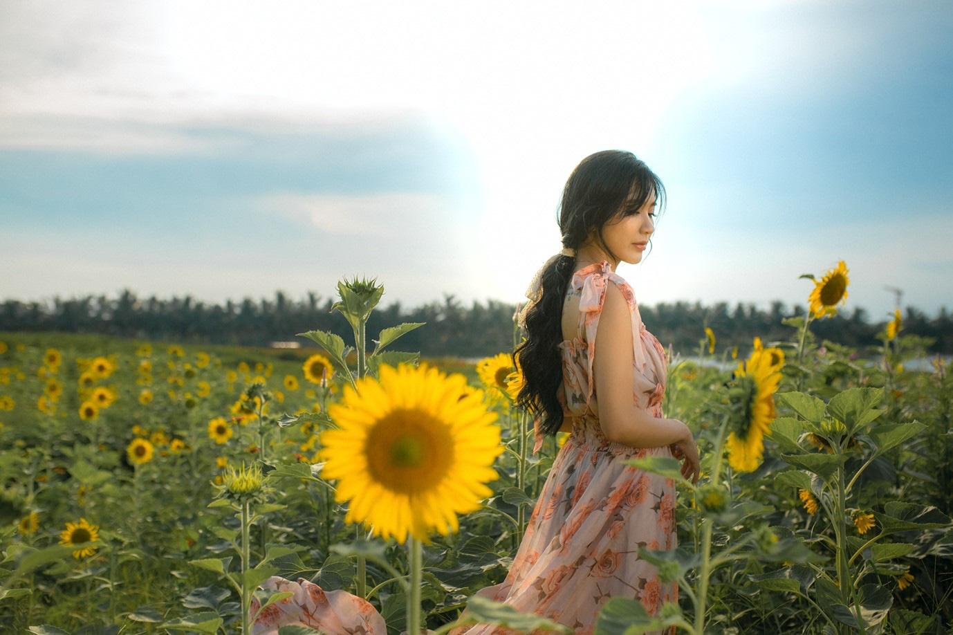 Đồi hoa mặt trời Ecopark khoe sắc đón thu sang - Ảnh 17.