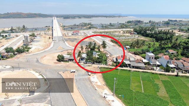 Quảng Ngãi:  Sau tối hậu thư, mặt bằng đường dẫn của cầu 2300 tỷ đã thông 1 đầu  - Ảnh 4.