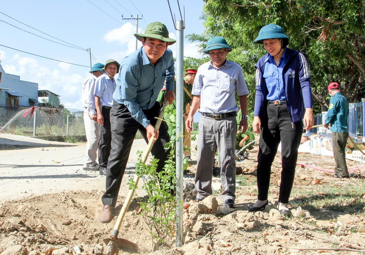 Ninh Thuận: Xây dựng mô hình đường hoa - Ảnh 1.