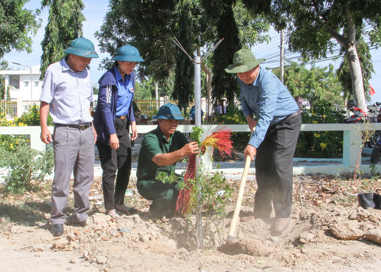 Ninh Thuận: Xây dựng mô hình đường hoa - Ảnh 3.