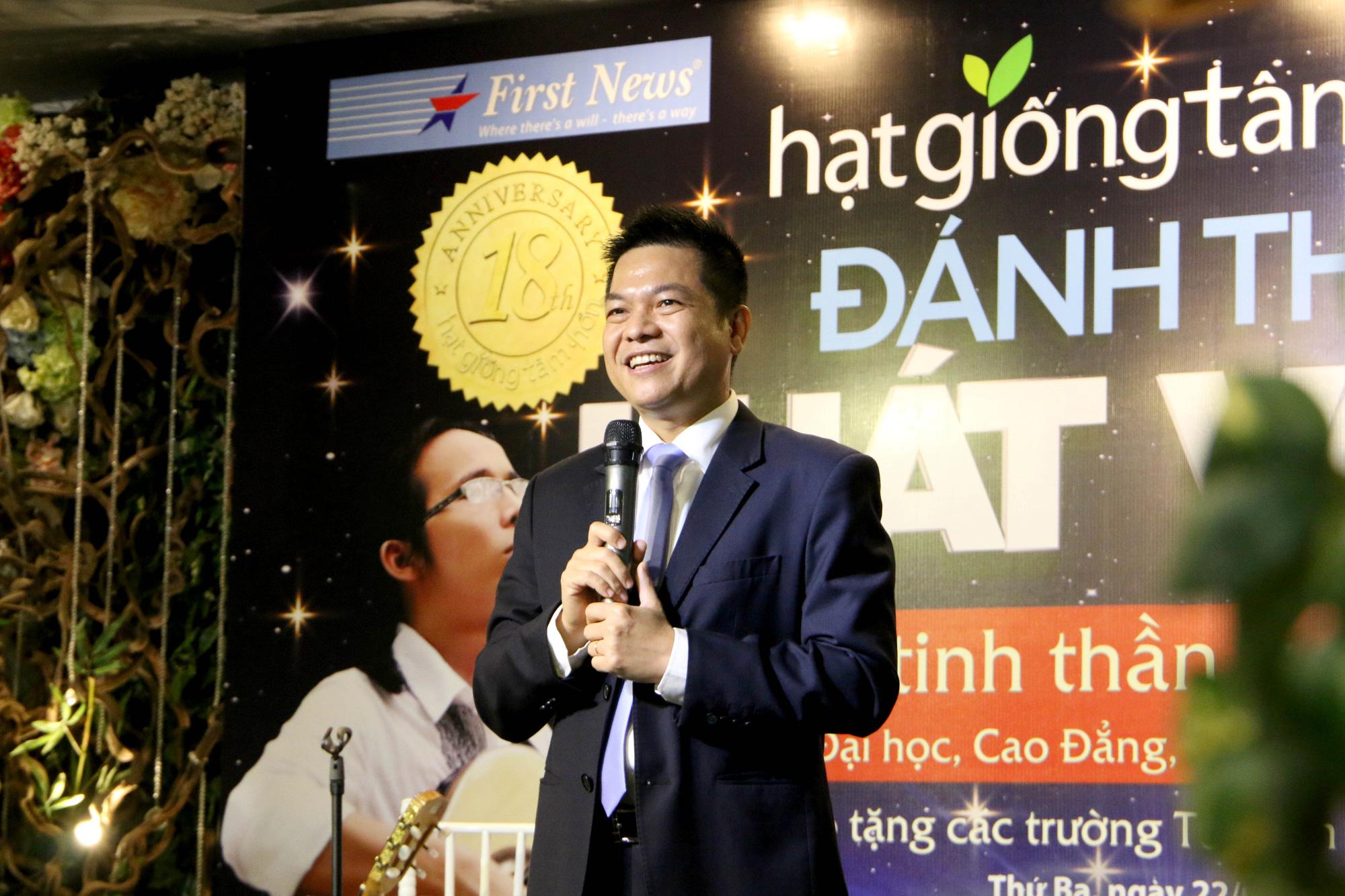 """Diễn giả Sơn Lâm và nhạc sĩ Hà Chương """"Đánh thức khát vọng"""" cho 30.000 học sinh, sinh viên - Ảnh 3."""
