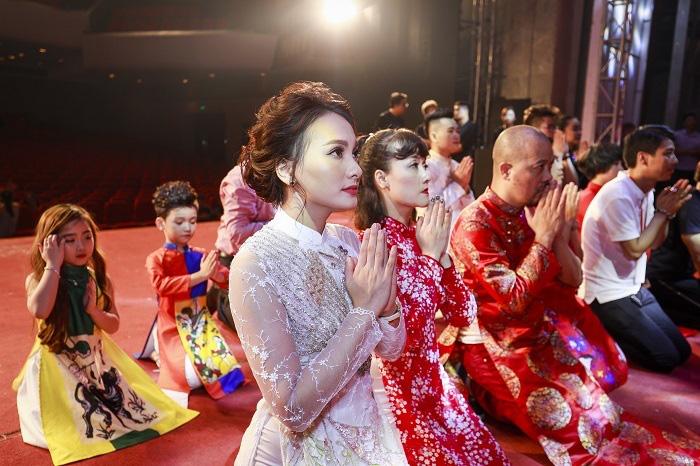 Các nghệ sĩ tổ chức lễ dâng hương tổ nghề sân khấu  - Ảnh 1.