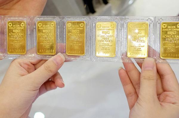 """Tiết lộ doanh thu """"khủng"""" của PNJ hồi giá vàng lên đỉnh 62 triệu đồng/lượng - Ảnh 1."""