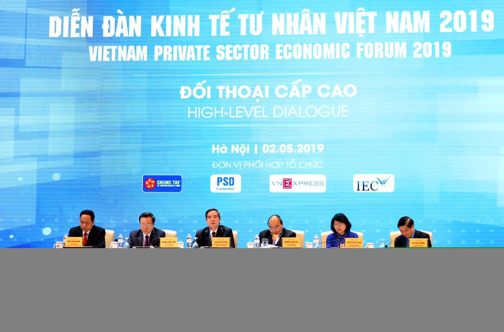 Đồng chí Nguyễn Văn Bình trả lời nhân kỷ niệm 70 năm ngày truyền thống Ban Kinh tế Trung ương - Ảnh 2.