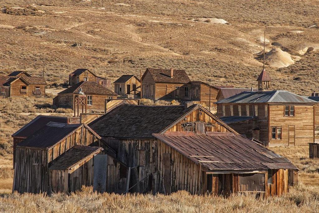 Những khu nhà bỏ hoang trở thành điểm hút khách khắp nơi trên thế giới - Ảnh 1.