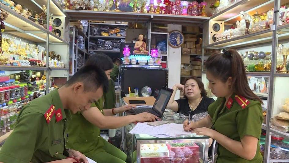 Phú Thọ: Tạm giữ hơn 350kg sản phẩm chay vi phạm vệ sinh ATTP - Ảnh 2.