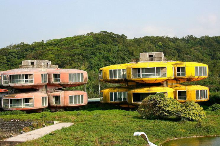 Những khu nhà bỏ hoang trở thành điểm hút khách khắp nơi trên thế giới - Ảnh 3.