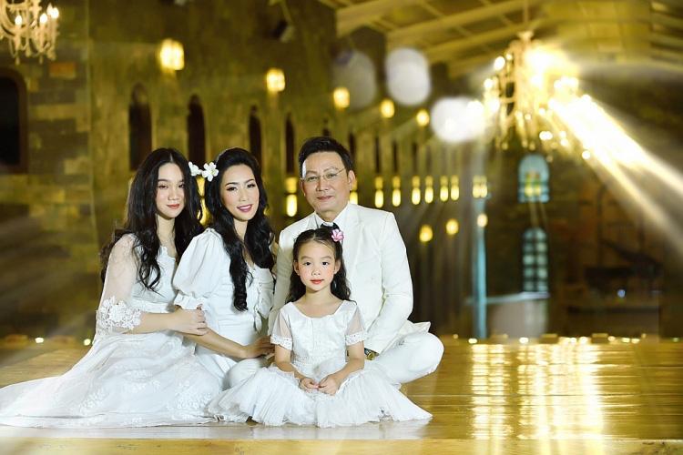 Trịnh Kim Chi bất ngờ đăng ảnh cưới và thu âm tình khúc với chồng doanh nhân sau 20 năm kết hôn  - Ảnh 7.