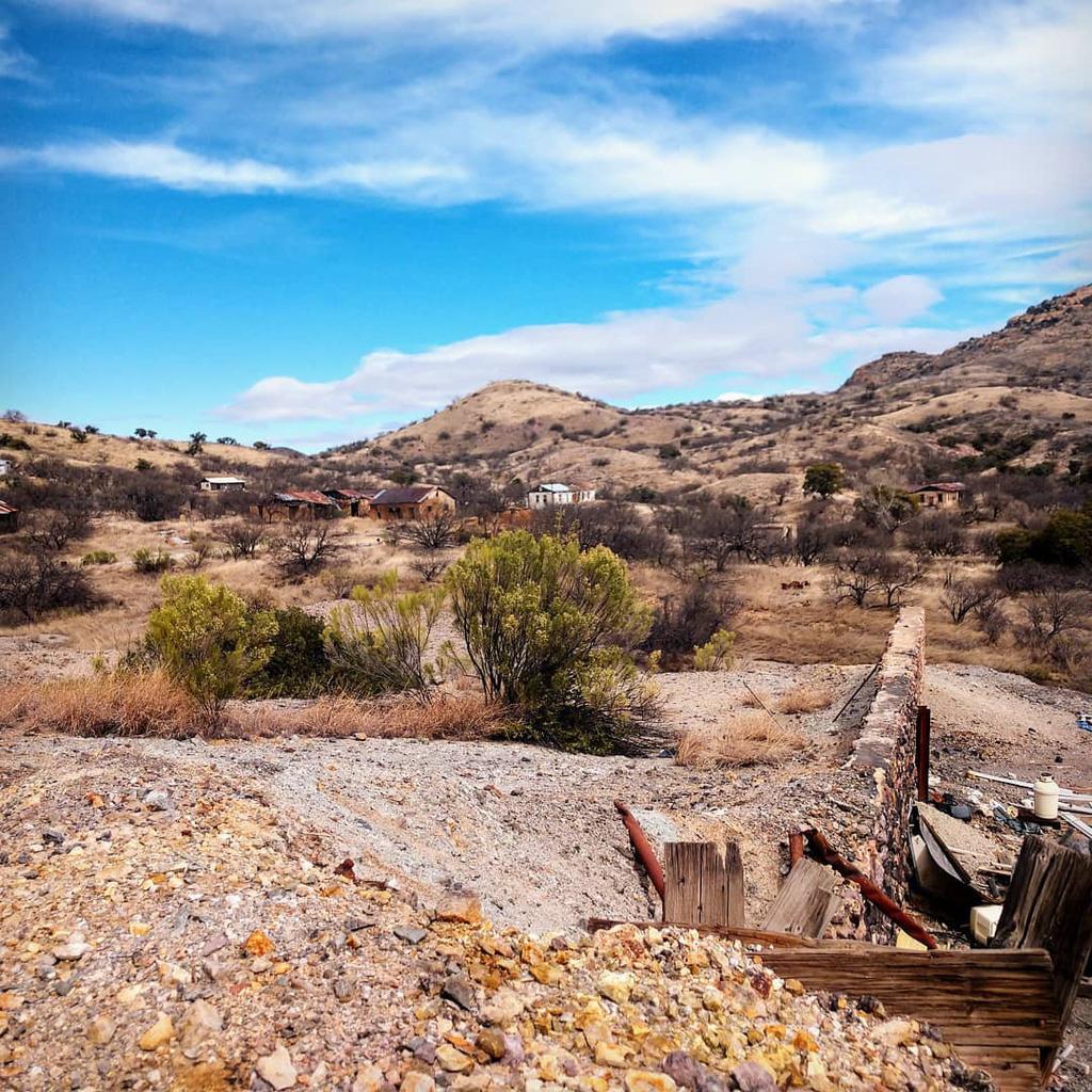 Những khu nhà bỏ hoang trở thành điểm hút khách khắp nơi trên thế giới - Ảnh 6.