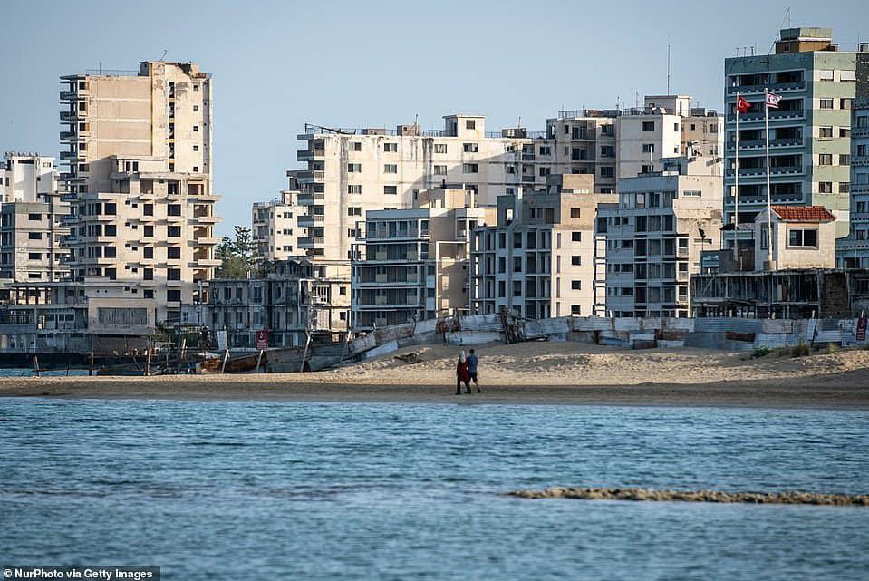 Những khu nhà bỏ hoang trở thành điểm hút khách khắp nơi trên thế giới - Ảnh 7.