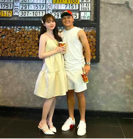 """Bạn gái Quang Hải gây """"sốt"""" vì ảnh xinh đẹp """"cầu cứu"""" dân mạng nào ngờ nhận cái kết """"cực đắng"""" - Ảnh 10."""