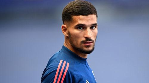 Arsenal phải bán để mua Houssem-Aouar.