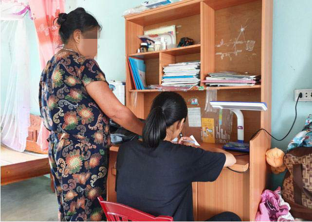 Vụ nữ sinh 12 tuổi nghi bị bảo vệ trường học hiếp dâm: Lời chia sẻ đau xót của bà ngoại - Ảnh 1.