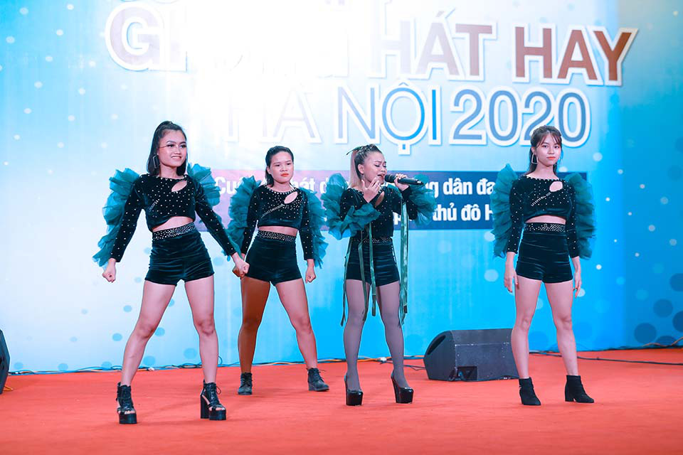 Ca sĩ Tùng Dương, Dương Hoàng Yến làm giám khảo bán kết Giọng hát hay Hà Nội  - Ảnh 2.