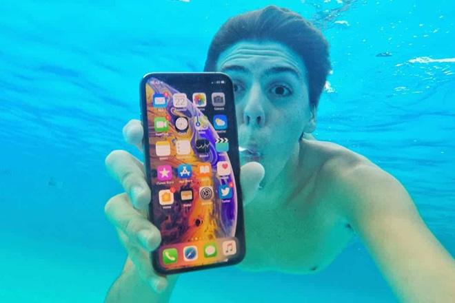 Điện thoại iPhone có khả năng chống nước ra sao? - Ảnh 1.