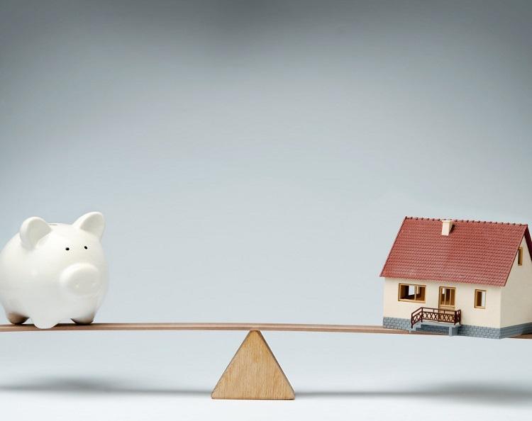 Sai lầm để đời khi vay tiền mua nhà trả góp khiến khách hàng gánh đống nợ - Ảnh 1.