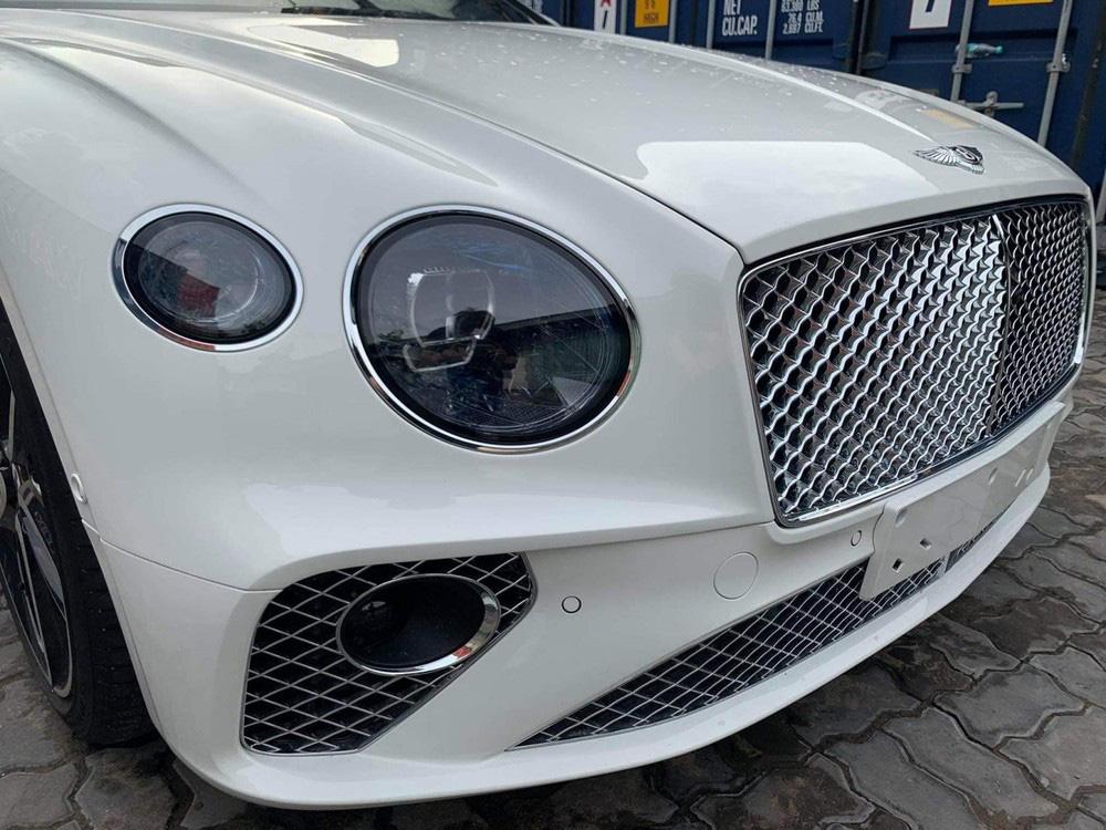 Bentley Continental GT V8 tiếp tục về Việt Nam với màu sơn độc và thuộc bản 100 năm - Ảnh 4.