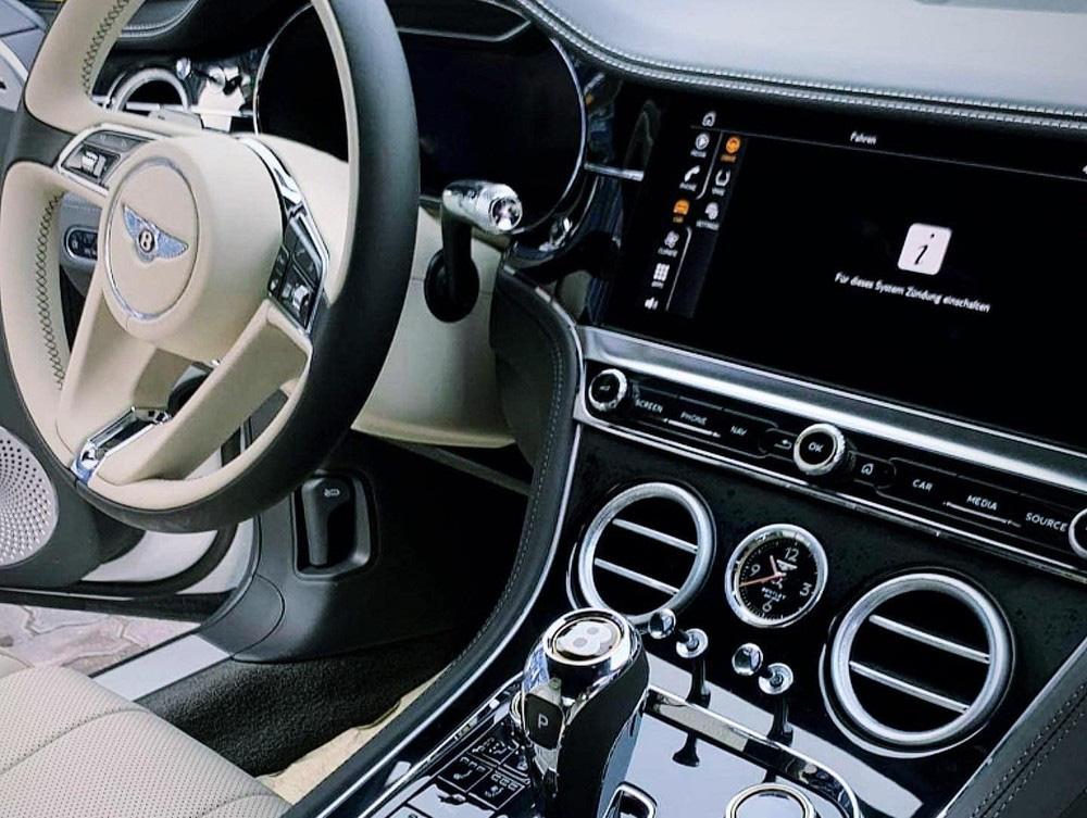 Bentley Continental GT V8 tiếp tục về Việt Nam với màu sơn độc và thuộc bản 100 năm - Ảnh 9.