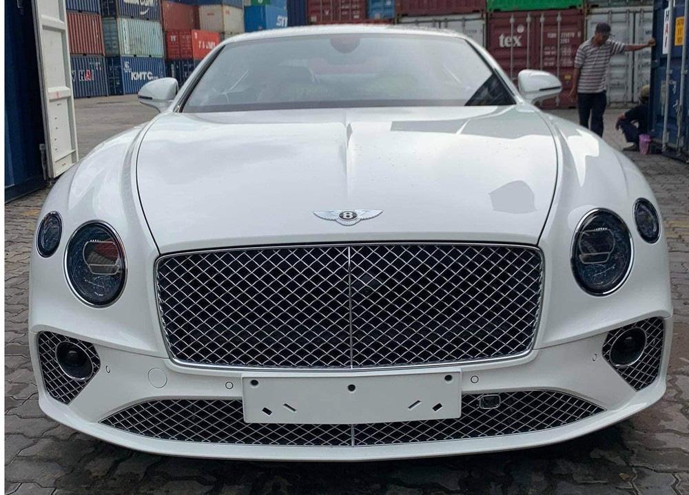 Bentley Continental GT V8 tiếp tục về Việt Nam với màu sơn độc và thuộc bản 100 năm - Ảnh 1.