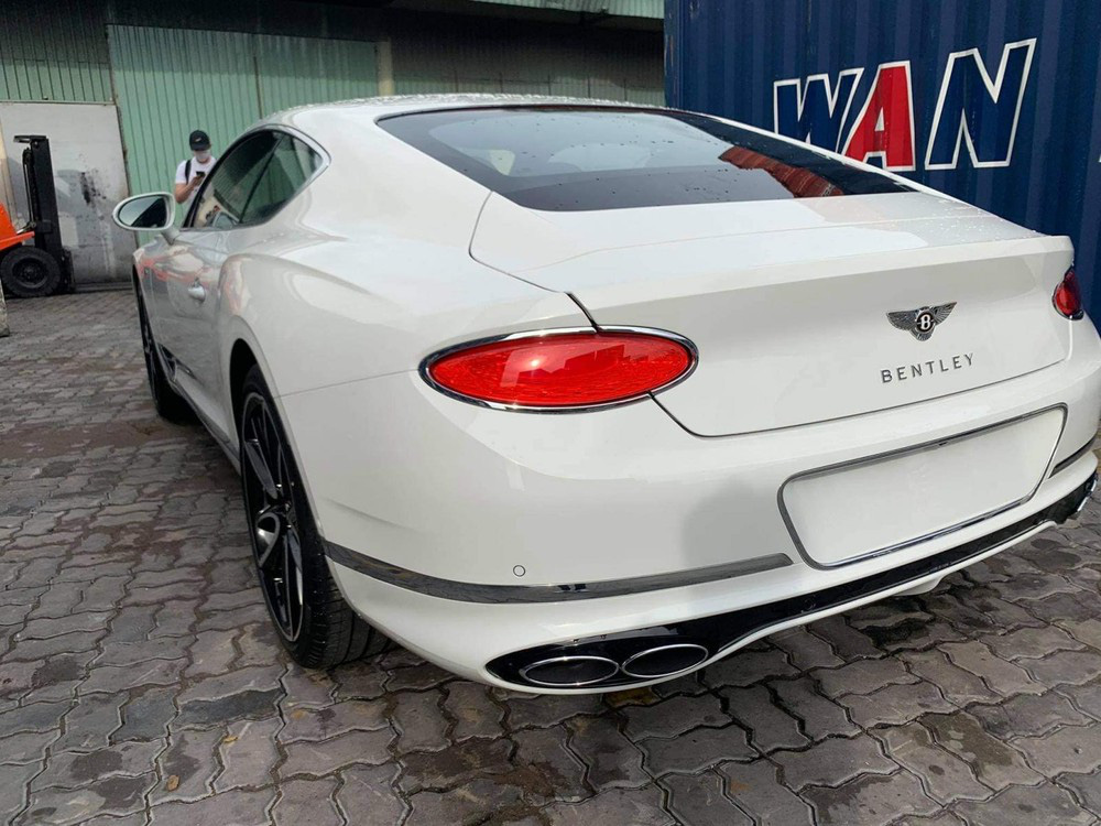 Bentley Continental GT V8 tiếp tục về Việt Nam với màu sơn độc và thuộc bản 100 năm - Ảnh 3.