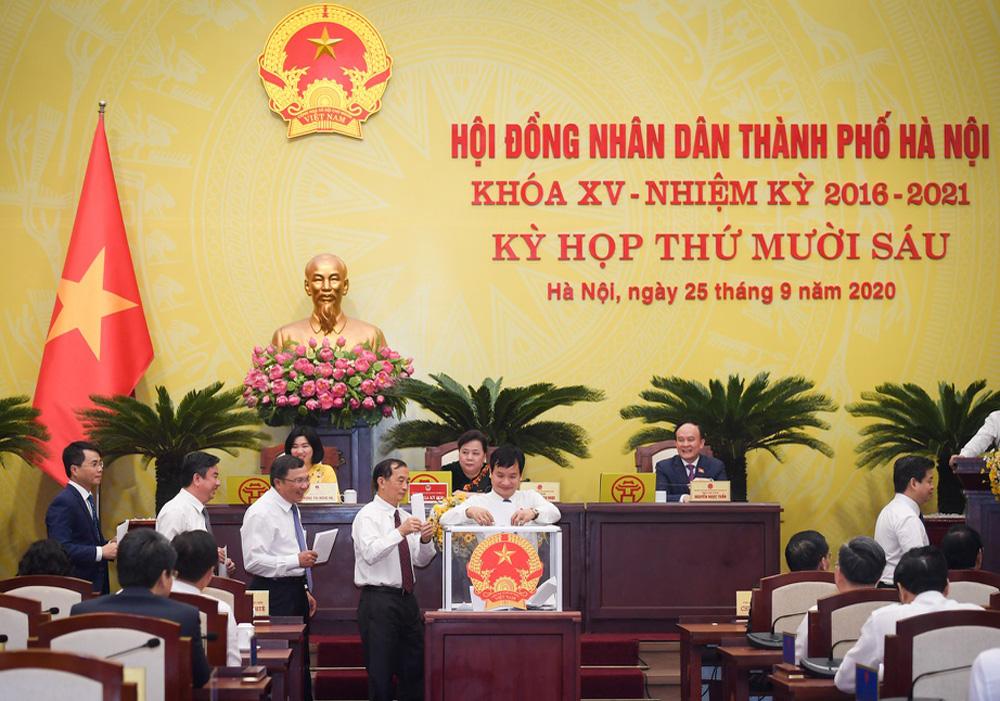 Hình ảnh ông Chu Ngọc Anh nhận nhiệm vụ Chủ tịch UBND TP Hà Nội - Ảnh 3.