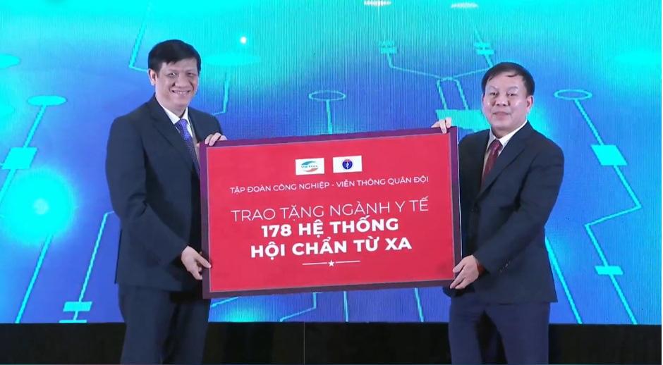 """Thủ tướng Nguyễn Xuân Phúc: """"Khám chữa bệnh từ xa là bước tiến lớn của ngành y tế""""  - Ảnh 4."""
