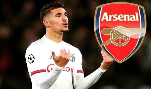 Lyon xác nhận Arsenal đàm phán mua Houssem Aouar.