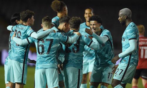 Liverpool gặp Arsenal ở vòng 4 Carabao Cup.