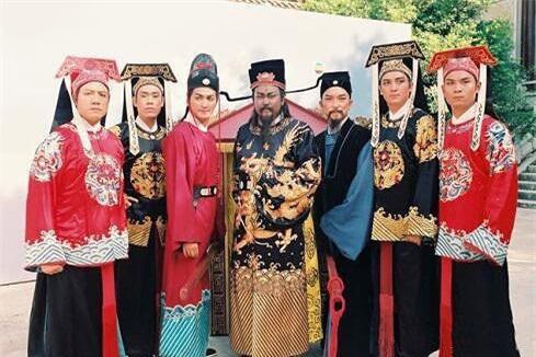 Bí ẩn về 21 chiếc quan tài đi 7 cửa 'tung hỏa mù' trong đám tang Bao Công khiến cả thiên hạ nhầm lẫn - Ảnh 1.