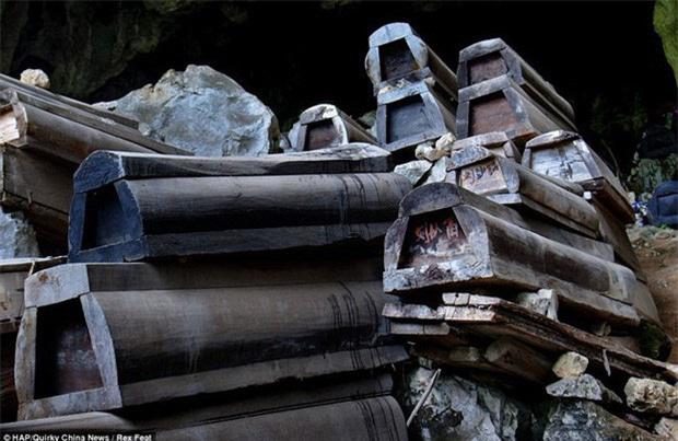 Bí ẩn về 21 chiếc quan tài đi 7 cửa 'tung hỏa mù' trong đám tang Bao Công khiến cả thiên hạ nhầm lẫn - Ảnh 2.