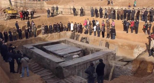 Bí ẩn về 21 chiếc quan tài đi 7 cửa 'tung hỏa mù' trong đám tang Bao Công khiến cả thiên hạ nhầm lẫn - Ảnh 3.