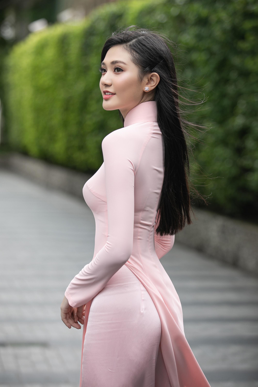 """Thí sinh U60 gây """"sốt"""" xuất hiện tại Sơ khảo Hoa hậu Việt Nam 2020, khác xa ảnh hiếm hoi quyến rũ? - Ảnh 11."""