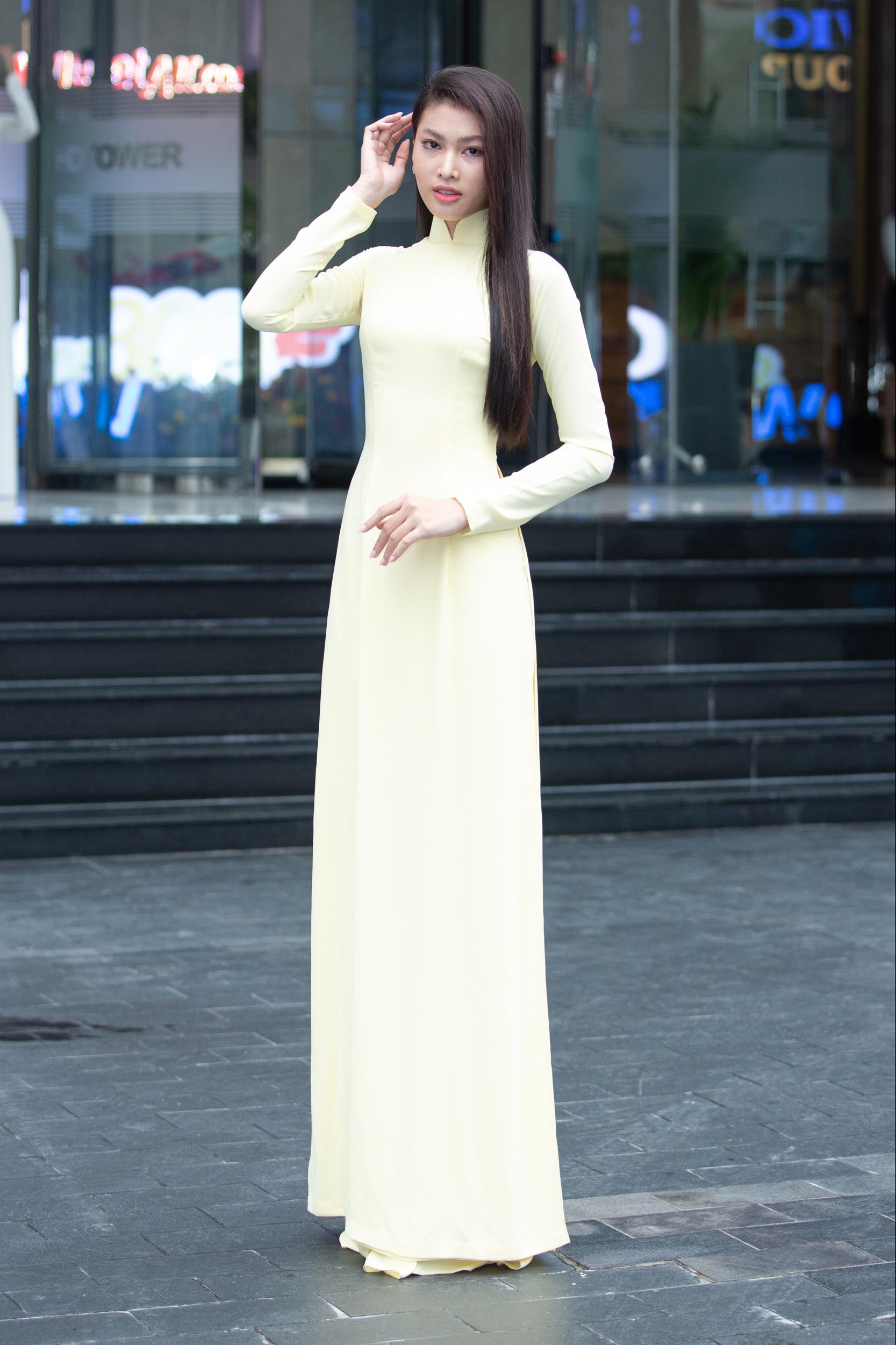 """Thí sinh U60 gây """"sốt"""" xuất hiện tại Sơ khảo Hoa hậu Việt Nam 2020, khác xa ảnh hiếm hoi quyến rũ? - Ảnh 9."""