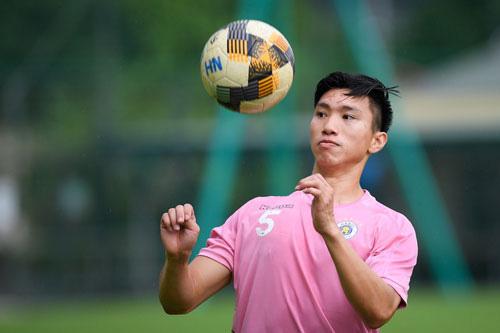 CLB Hà Nội không cần Văn Hậu ở giai đoạn 1 V.League 2020. Ảnh: Zing
