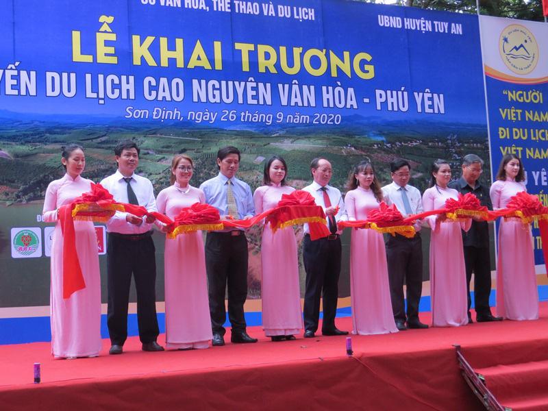 Khai trương tuyến du lịch cao nguyên Vân Hoà - Phú Yên - Ảnh 2.